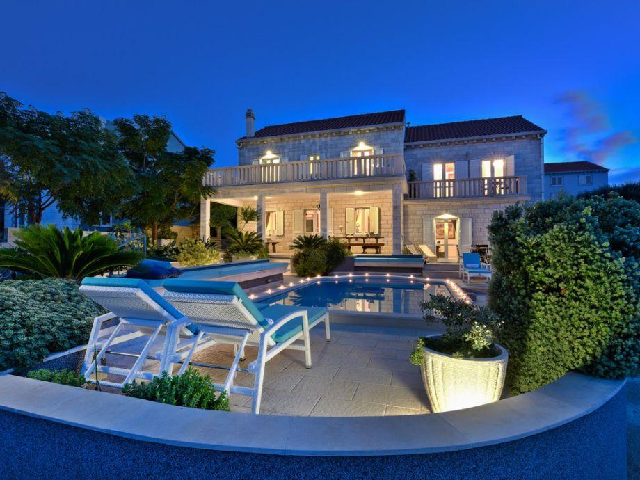 Spektakuläre Aussicht auf die Villa