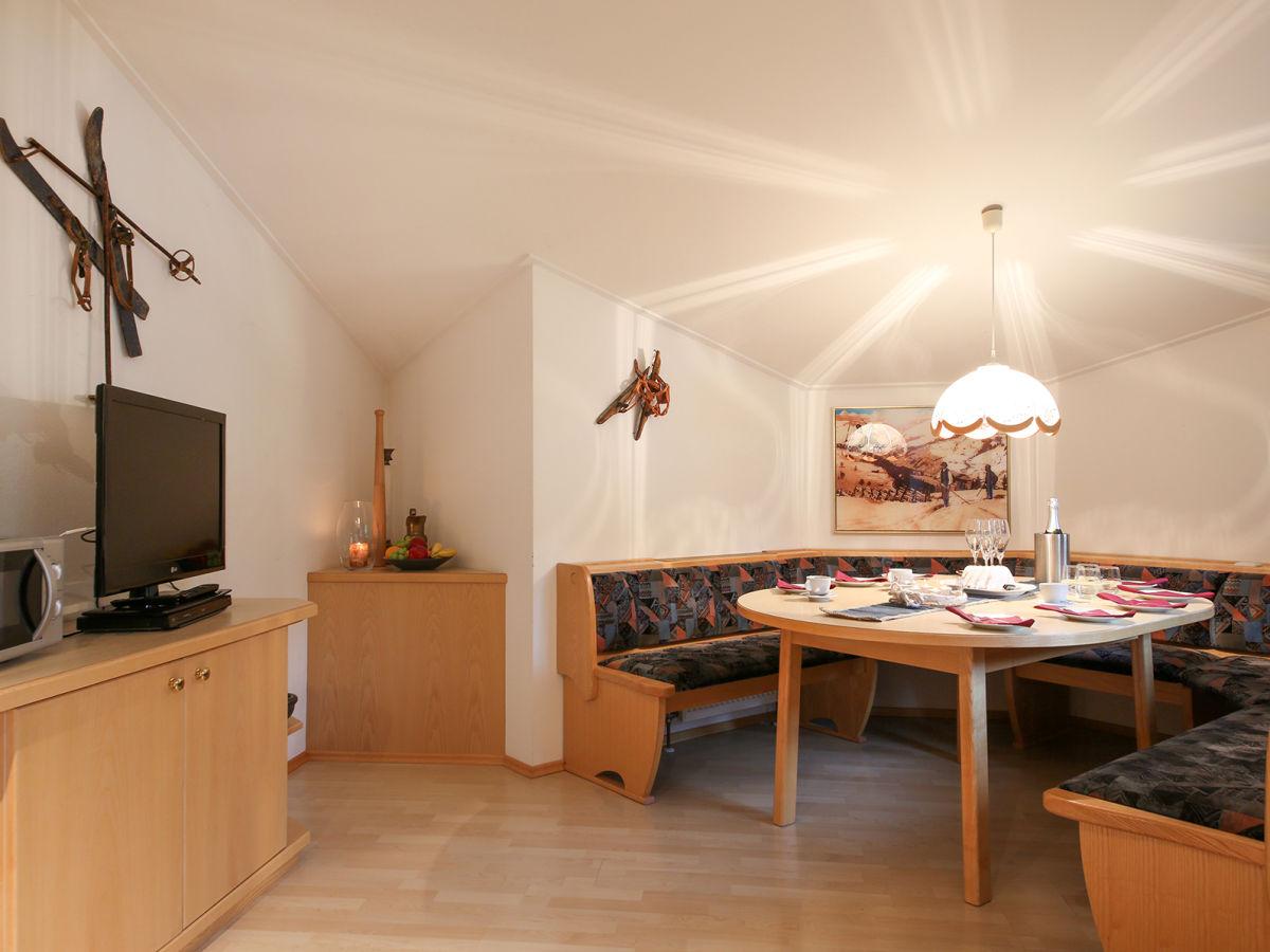 ferienwohnung bergblick saalfelden leogang leogang firma landhaus leogang familie alrike. Black Bedroom Furniture Sets. Home Design Ideas