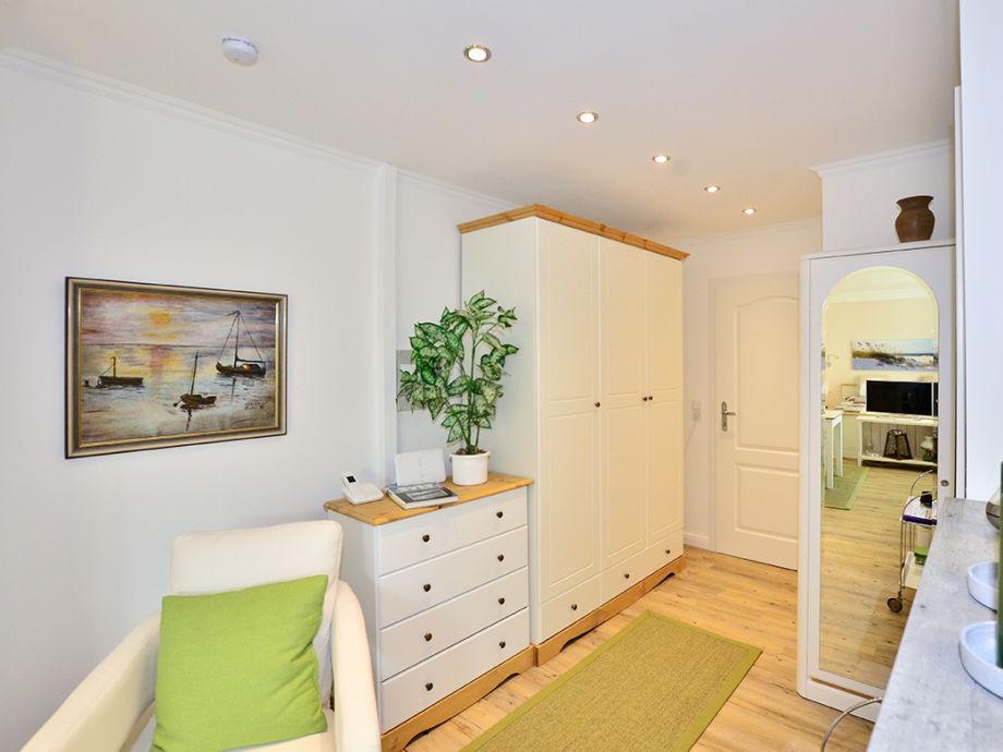 ferienwohnung ro5 sylt westerland firma apartmentvermittlung wiking frau dominique arnold. Black Bedroom Furniture Sets. Home Design Ideas