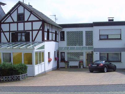 Historisches Fachwerkhaus mit Wintergarten