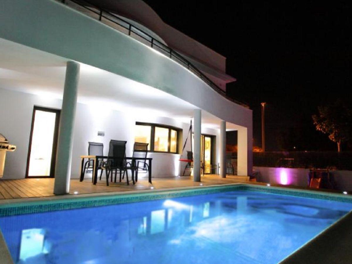 villa mallorca mallorca col d en rabassa firma govilla. Black Bedroom Furniture Sets. Home Design Ideas