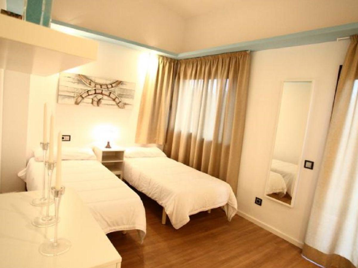 Villa mallorca mallorca col d en rabassa firma govilla for Moderne einzelbetten