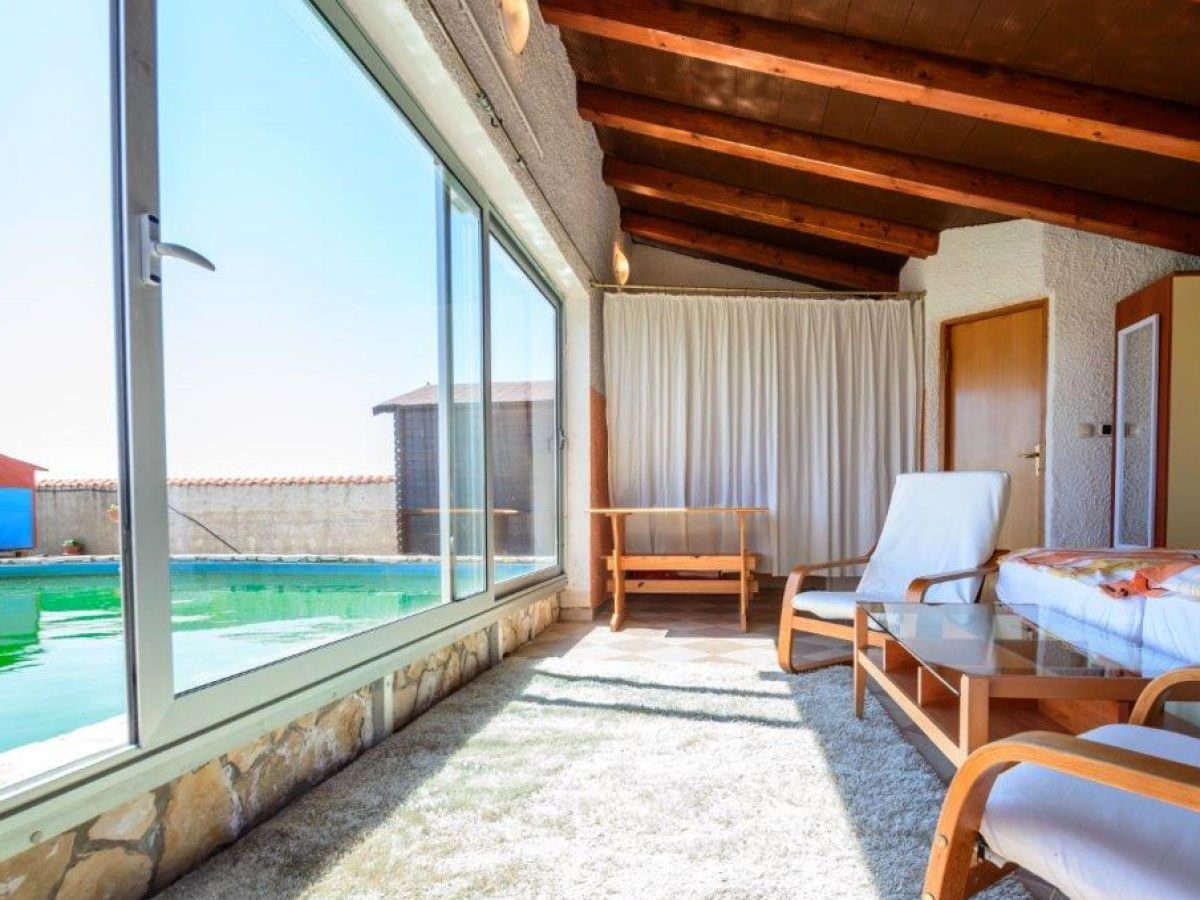 Traum schlafzimmer mit pool  Ferienhaus Jadranka, Marcana - Duga Uvala - Firma Adrias Tours ...