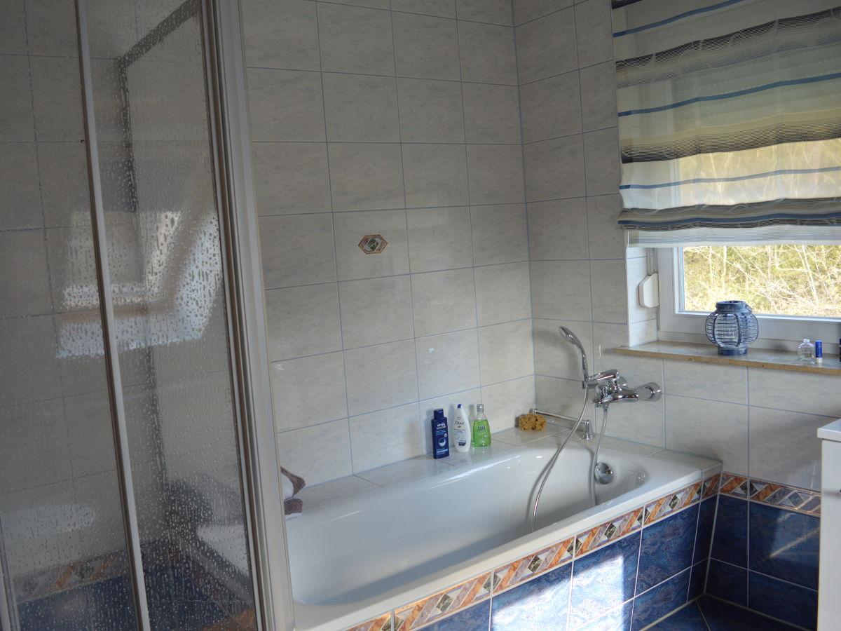 Ferienhaus zur alten havel havelland frau andrea dinske - Kleines bad mit wanne und dusche ...