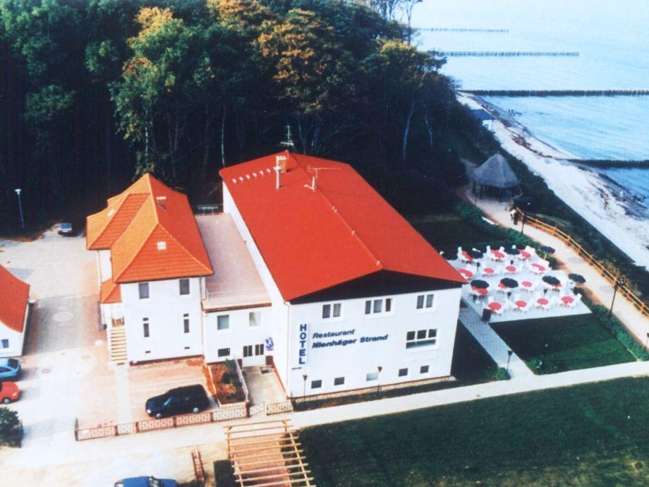 Wald und (Ostsee-)Wasser vor der Haustür