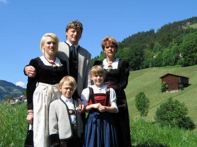 Ihr Gastgeber Albert und Andrea Schösser