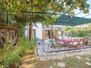 Holiday house Lucija