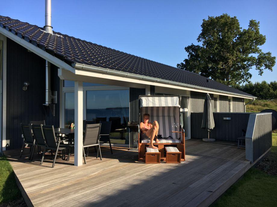 Terrasse überdacht mit Strandkork, Liegen uvm.