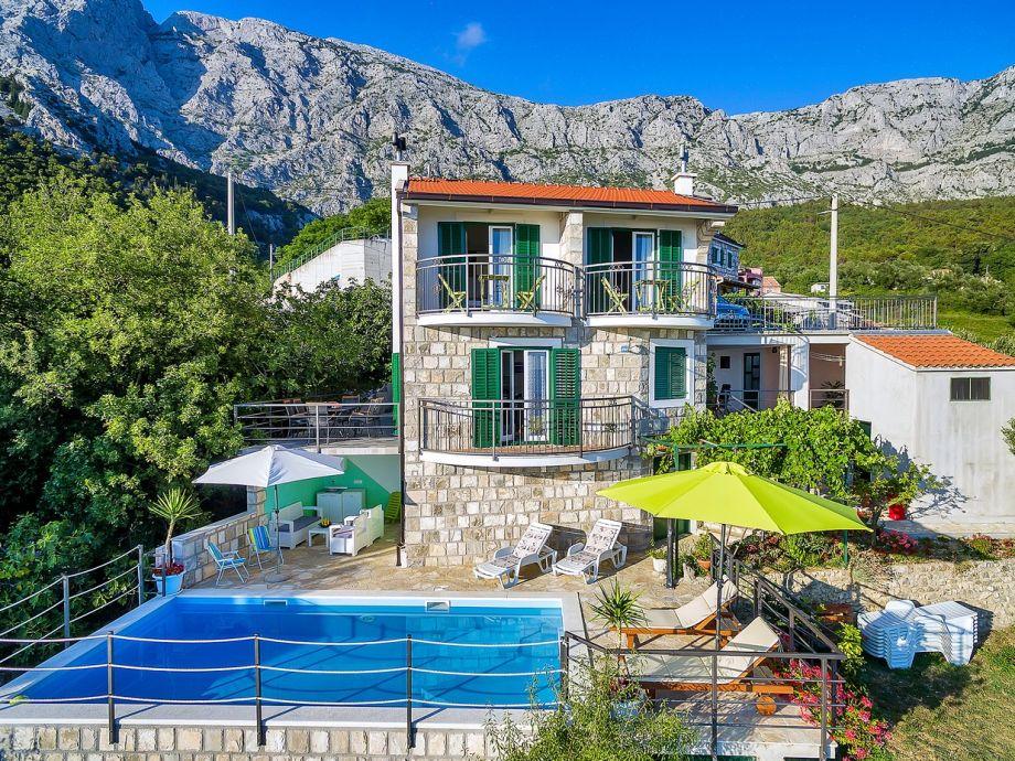 Ferienhaus Ivana mit Pool und Meerblick