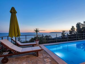 Ferienhaus Tucepi mit Meerblick