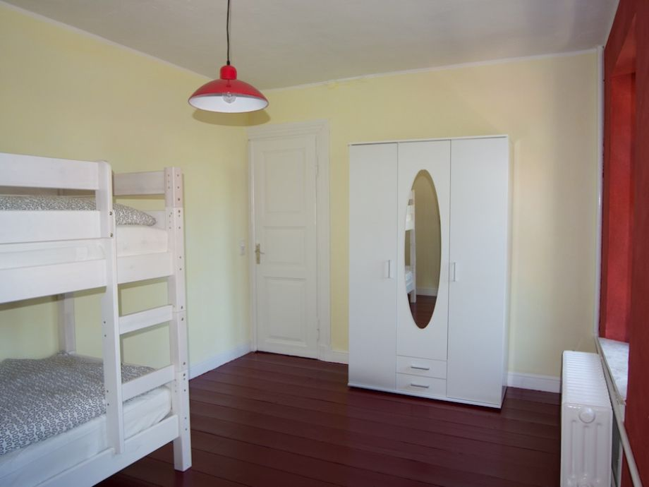 Bauernhof ferienhof bugiel ostfriesland herr hartmut bugiel for Kinderzimmer komplett mit etagenbett