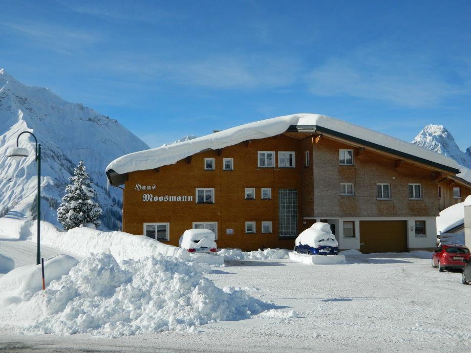 Blick von der Skibushaltestelle