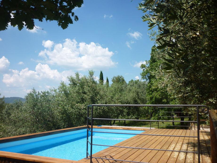 Pool und Sonnen-Terrasse