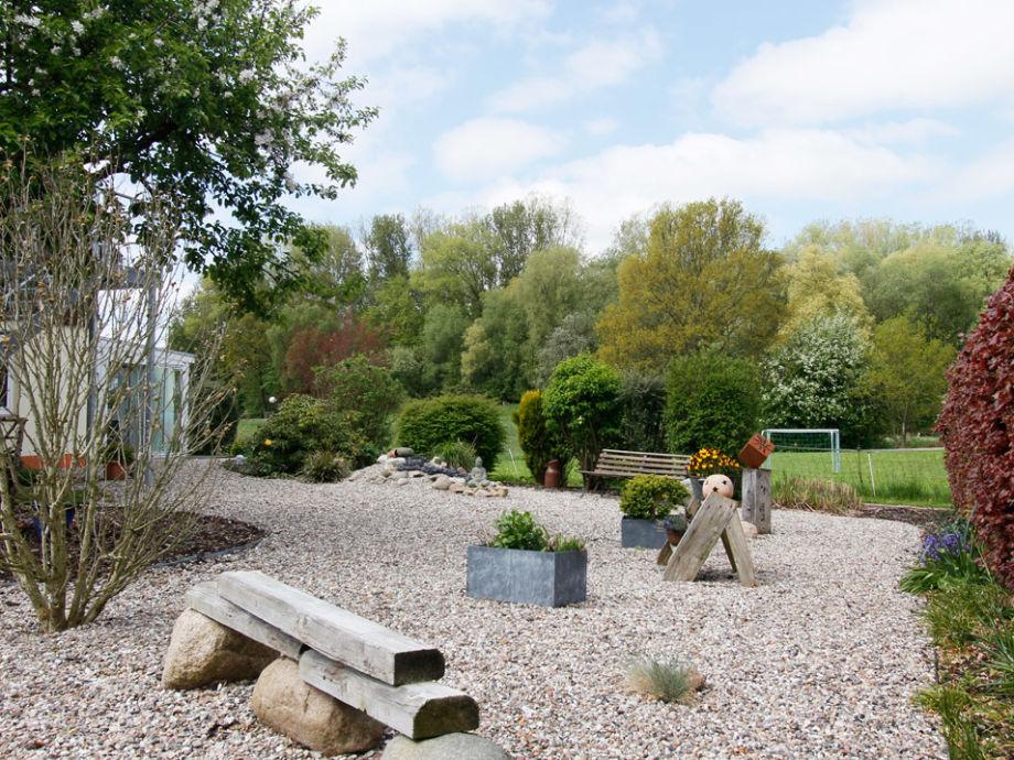 Ausblick auf den Steingarten