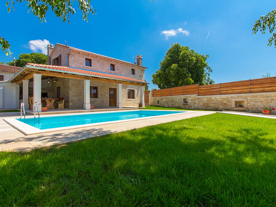 Außenaufnahme Villa Ladonja