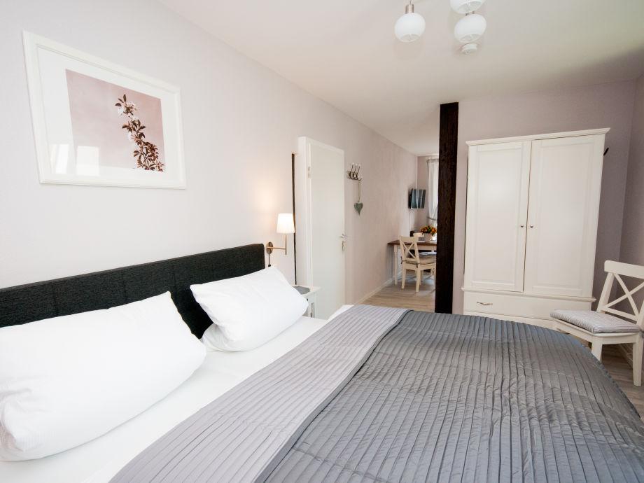 ferienwohnung schwarzriesling deutsche weinstra e. Black Bedroom Furniture Sets. Home Design Ideas