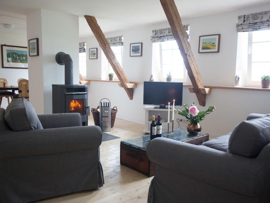 haus wohnzimmer oben:Ferienwohnung Reetdachkate Kiekut, Ostsee, Eckernförer Bucht – Firma