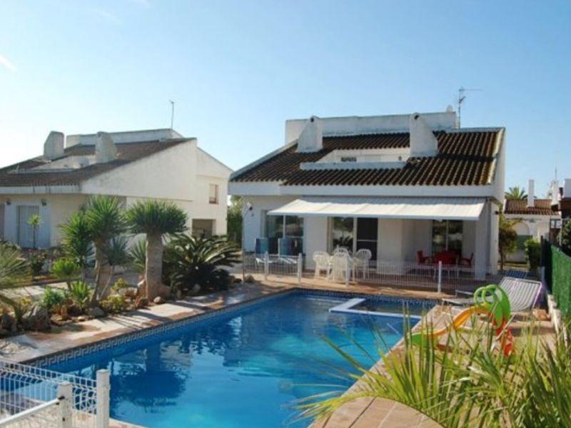 Große Strand-Villa mit Whirlpool und Meerblick