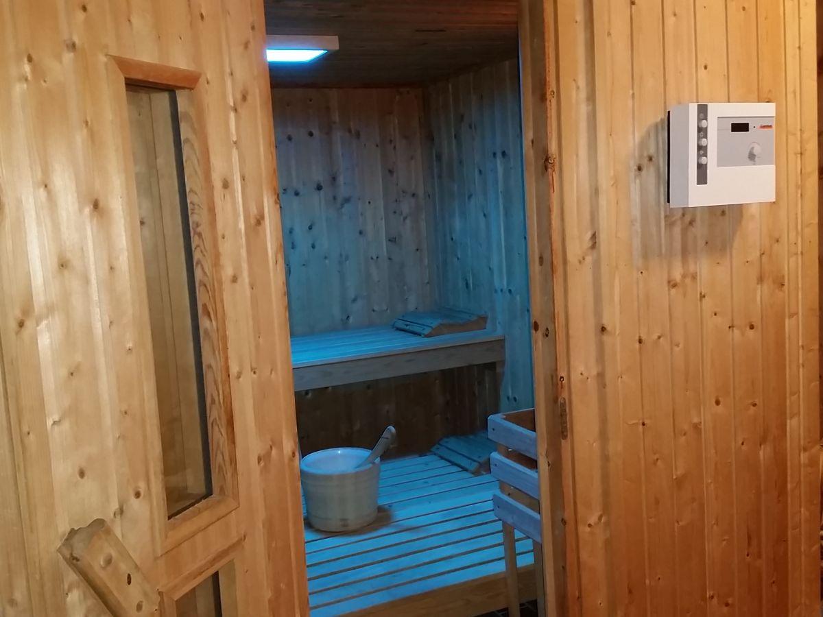 Ferienwohnung alpenpanorama pfaffenwinkel frau eva for Balkon teppich mit tapete sauna