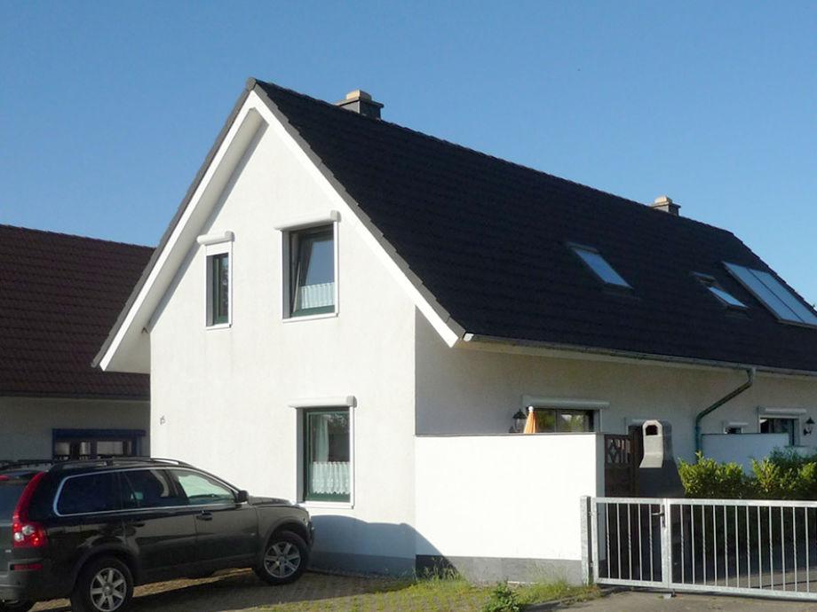 mit Parkplatz am Haus, Steingrill, Solar ...