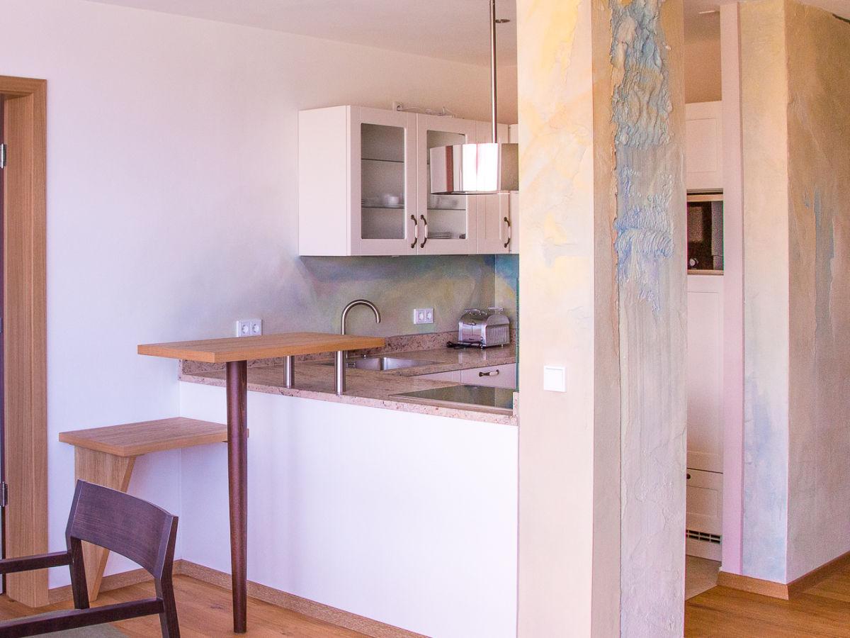 ferienwohnung rosengarten im ferienhaus lebensart am see chiemsee chiemgau frau theresia pertl. Black Bedroom Furniture Sets. Home Design Ideas