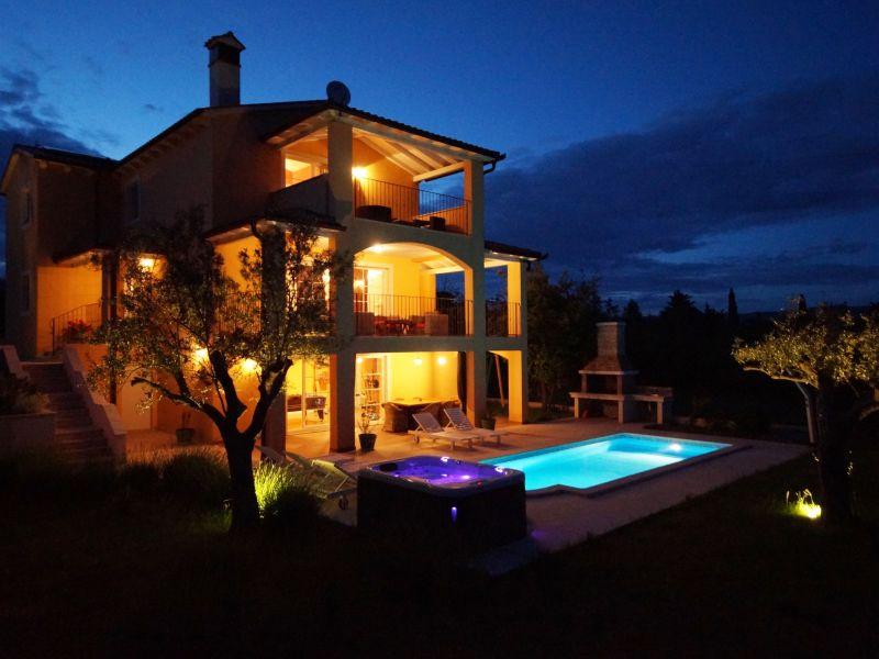 Villa Ari