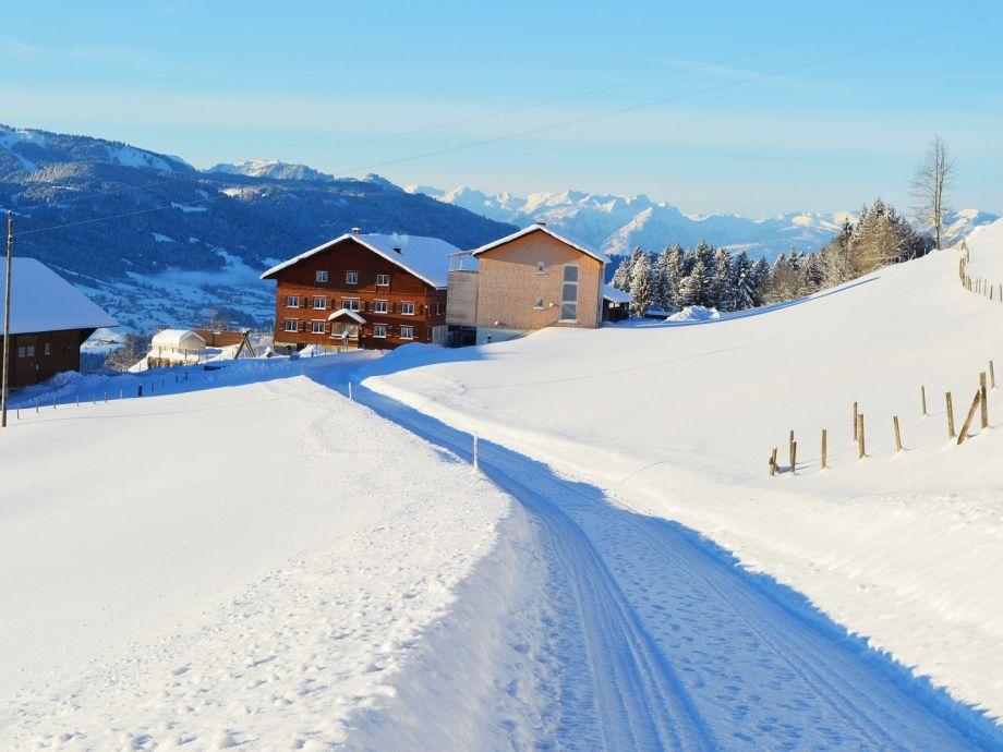 Anfahrt zur Wohnung im Winter