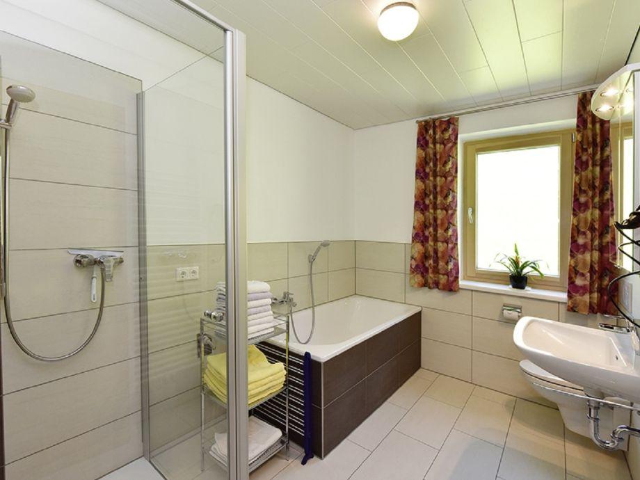 Ferienwohnung ifenblick bregenzerwald vorarlberg for Badezimmer mit dusche und wanne