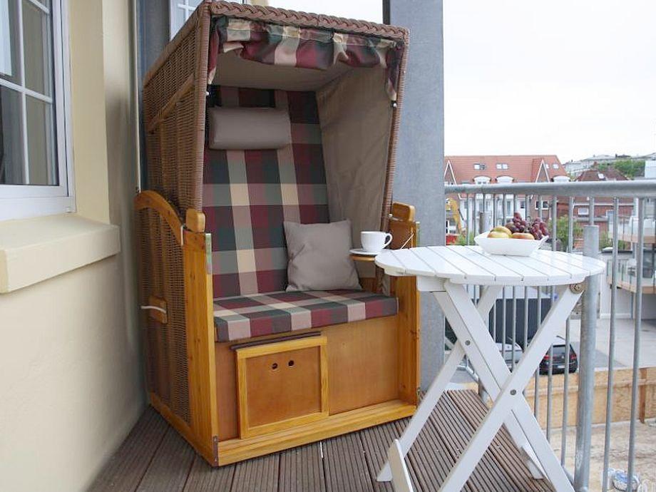 Balkon mit Strandkorb