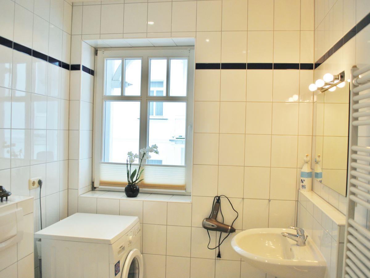 ferienwohnung feuerstein in der villa saxonia binz herr thomas klitzsch. Black Bedroom Furniture Sets. Home Design Ideas