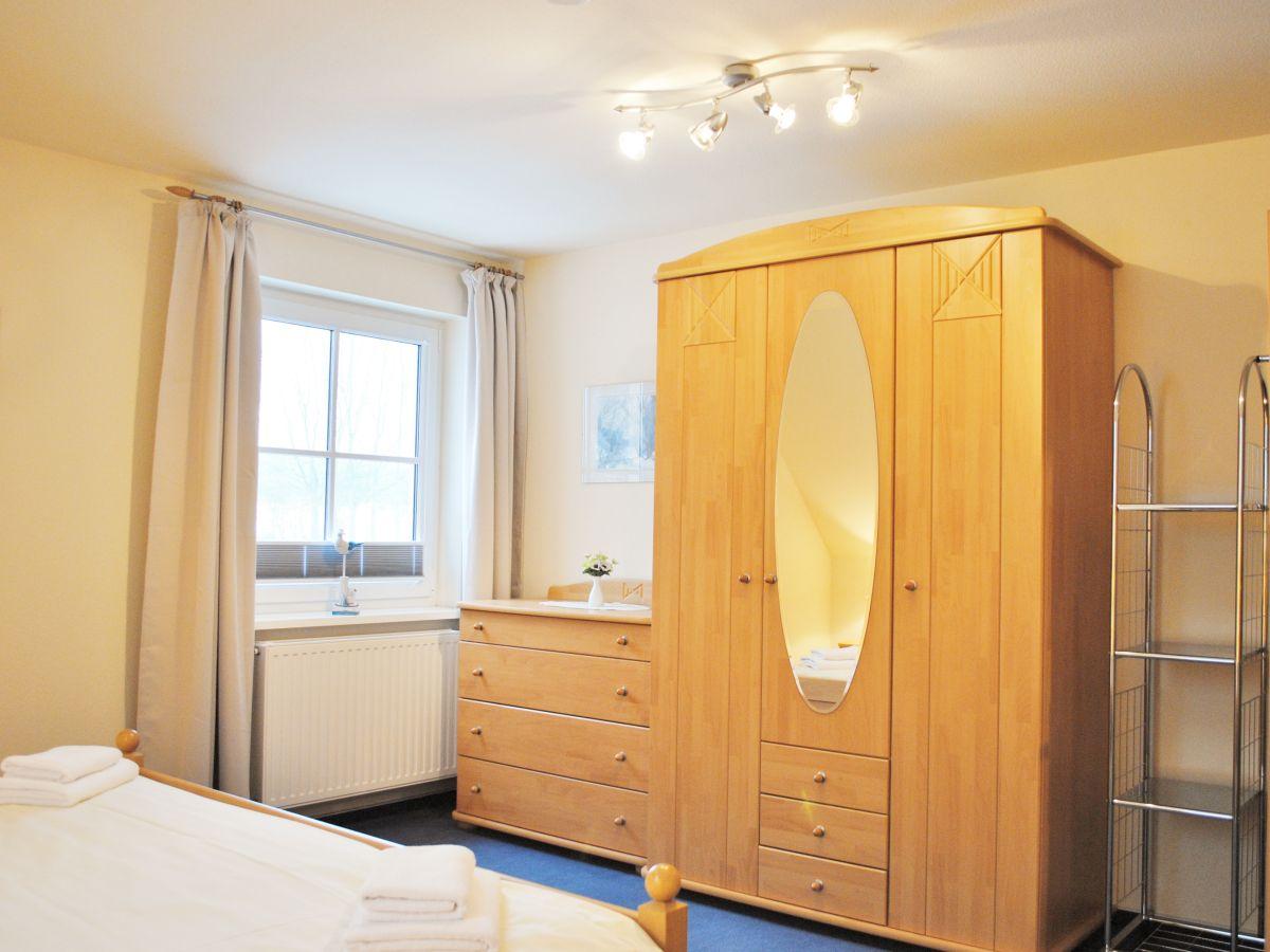 ferienwohnung granitzhof app 2 ostsee r gen herr thomas klitzsch. Black Bedroom Furniture Sets. Home Design Ideas