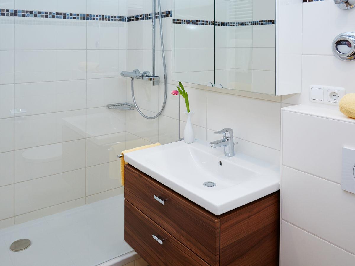 Badezimmer mit dusche kleine badezimmer mit dusche for Badezimmer mit dusche