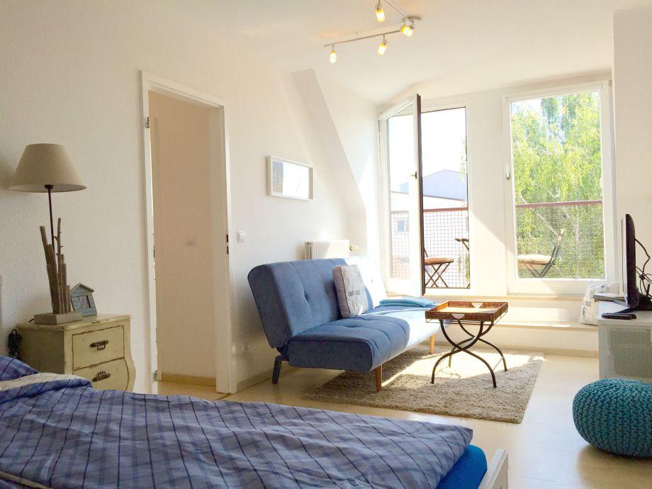 Studio mit Doppelbett und Schlafcouch