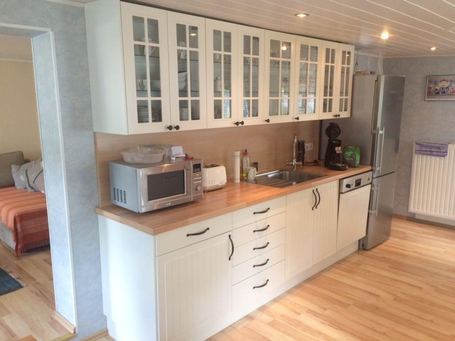 Gemütliche moderne Küche/Esszimmer
