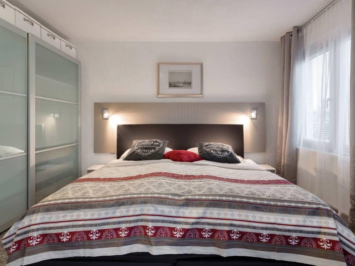 ferienhaus landhaus sofie dresden firma landhaus sobrigau frau monika wessel. Black Bedroom Furniture Sets. Home Design Ideas