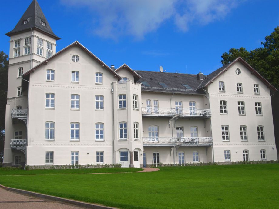 Schloss Hohen Niendorf