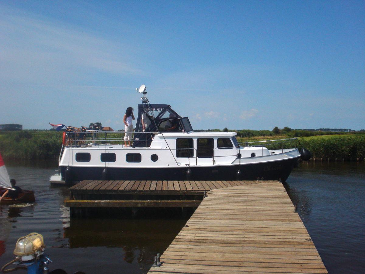 hausboot christa ijsselmeer koudum firma friesland boating herr gerben zwerver. Black Bedroom Furniture Sets. Home Design Ideas