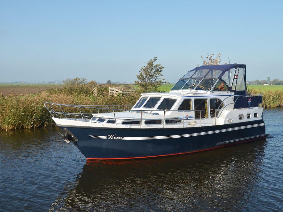 hausboot sietske ijsselmeer koudum firma friesland boating herr gerben zwerver. Black Bedroom Furniture Sets. Home Design Ideas