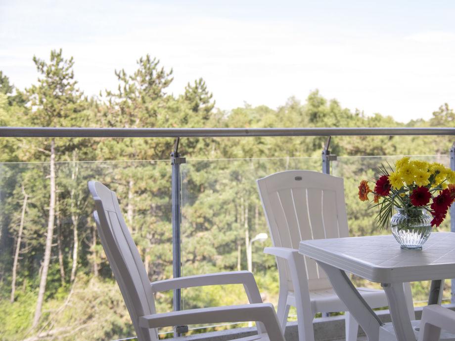 Genießen Sie die tolle Aussicht vom Balkon
