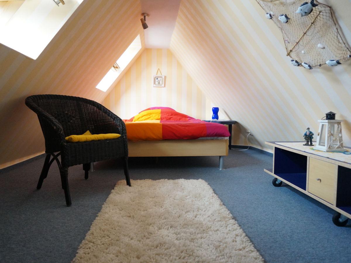 ferienwohnung das gelbe vom dar fischland dar firma zimmervermittlung prerow herr wagner. Black Bedroom Furniture Sets. Home Design Ideas