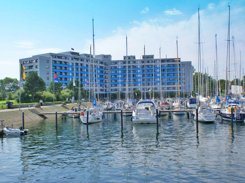 Ferienwohnung mit Traumblick auf Hafen und Ostsee