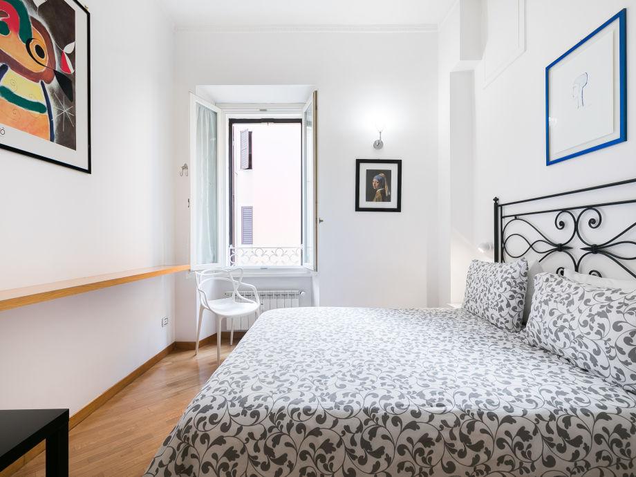Hauptschlafzimmer-Kingsize-Bett