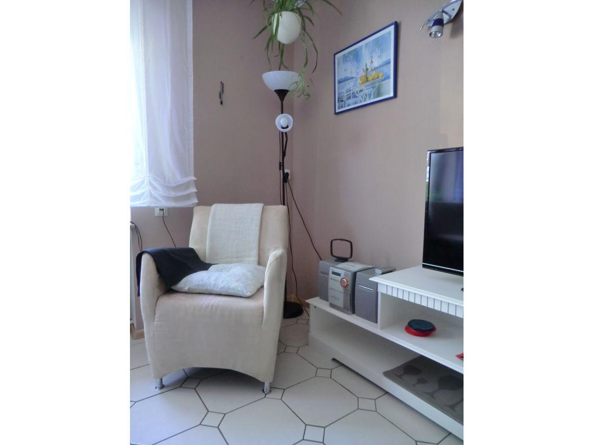 ferienwohnung im gasthaus hoefchen eifel firma gasthaus hoefchen frau hiltrud bell. Black Bedroom Furniture Sets. Home Design Ideas
