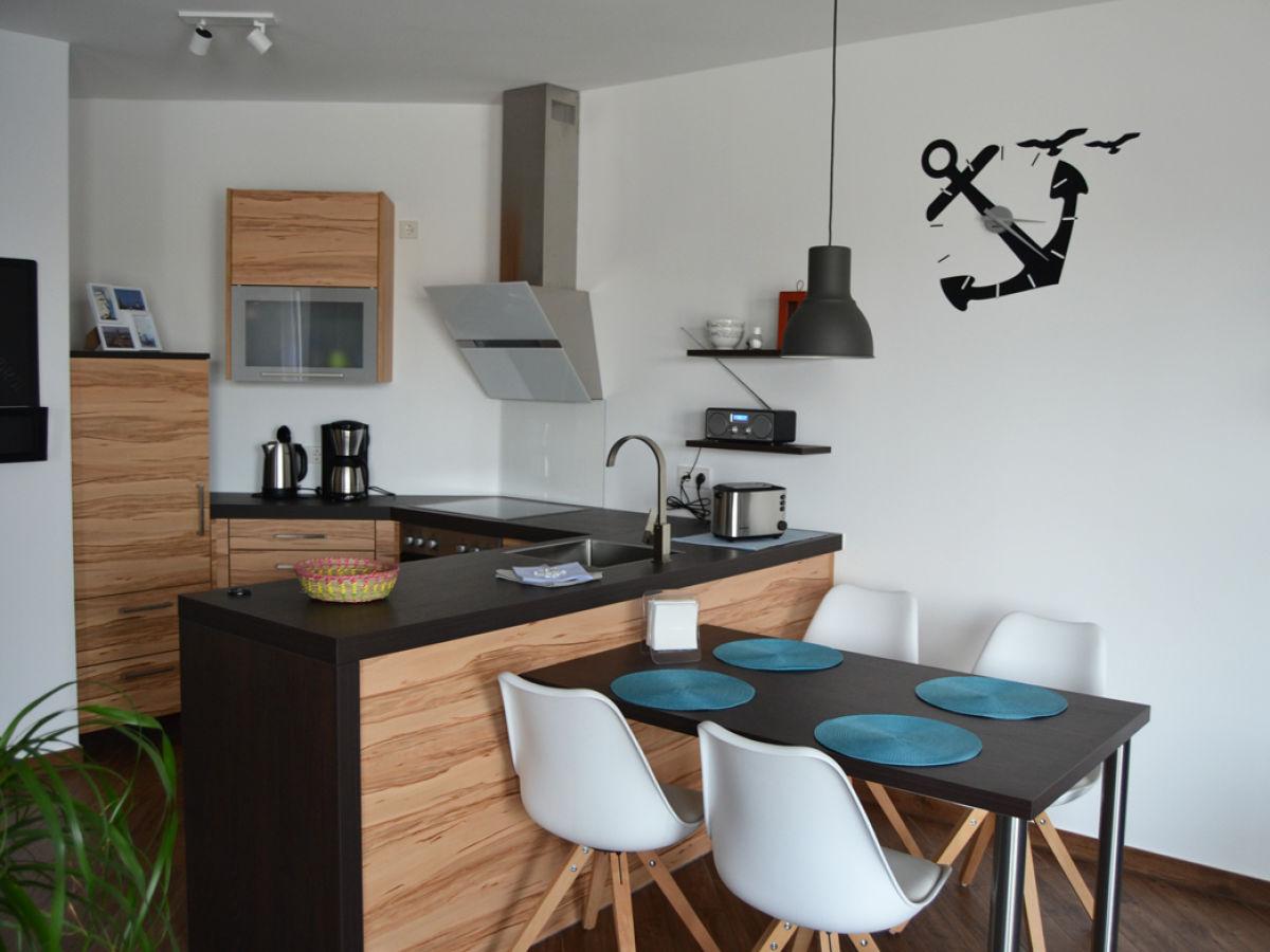 ferienwohnung marinanewport bremerhaven firma polzin. Black Bedroom Furniture Sets. Home Design Ideas