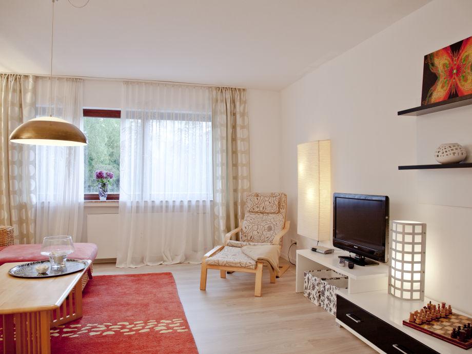 Freundlicher Wohnraum mit TV u. WLAN u. WLAN
