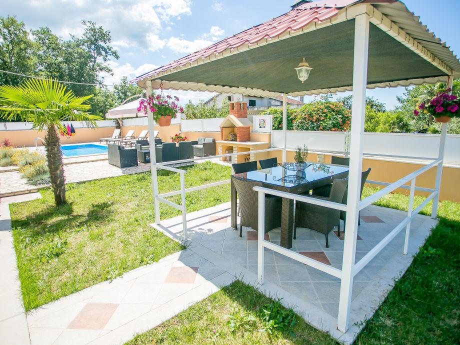 villa dylan radmani istrien firma eurotours porec mr. Black Bedroom Furniture Sets. Home Design Ideas