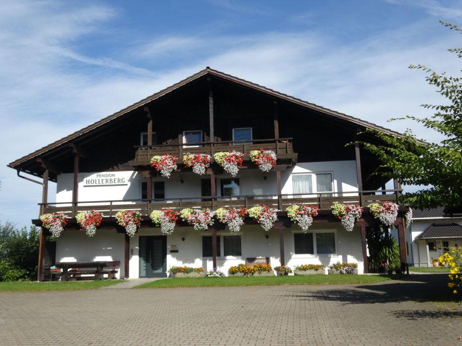 Ferienwohnungen Hollerberg  Weiß