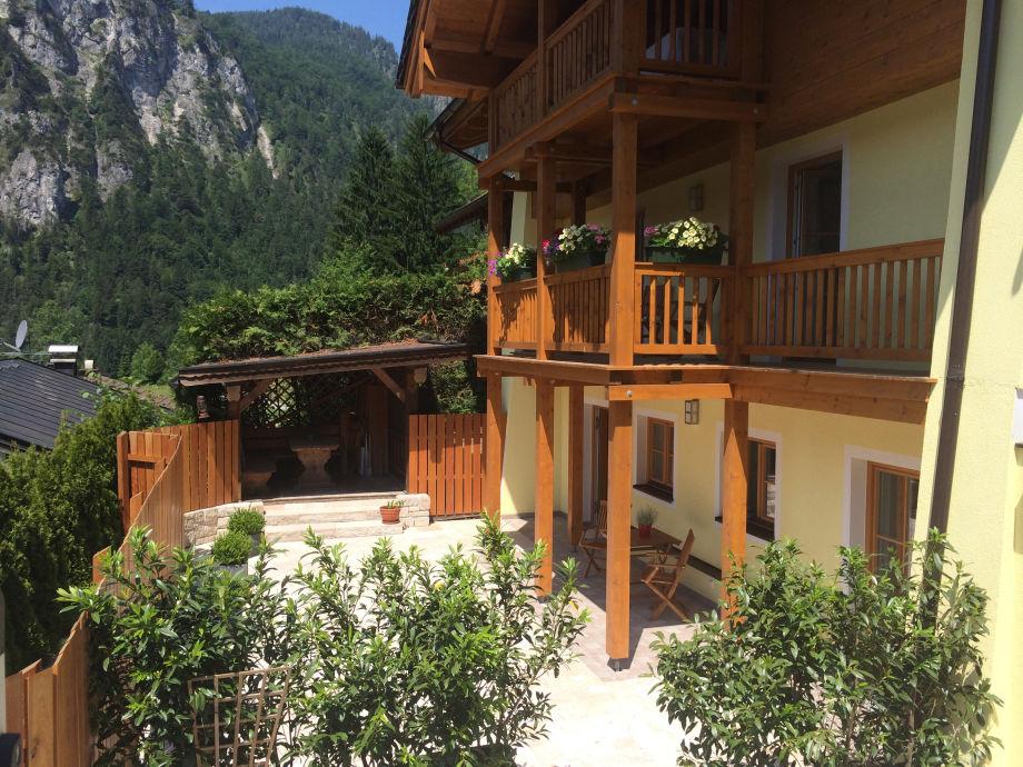 apartment im landhaus constantin berchtesgadener land frau cornelia ertel reiter. Black Bedroom Furniture Sets. Home Design Ideas