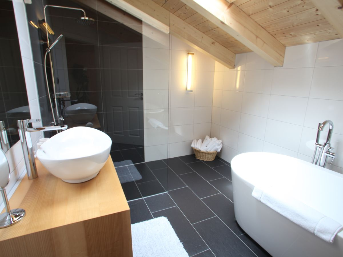 Apartment im landhaus constantin berchtesgadener land frau cornelia ertel reiter - Studio appartement m ...