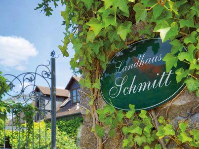 im Landhaus Schmitt